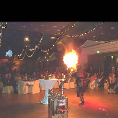 Zauberer Feuerschlucker
