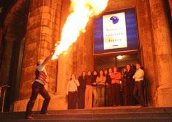 DER Feuerkünstler und Feuerspucker - von Stadtfest / Strassenfest ueber Hochzeitsfeier oder Geburtstagsfeier bis zur Weihnachtsfeier